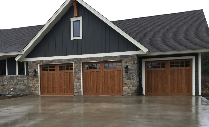 However, Two Of The Most Common Styles Are Single Panel Garage Doors And  Sectional, Panel Style Doors.