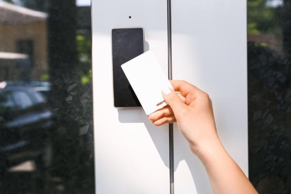 Giel-Garage-Doors-reasons-upgrade-keyless-lock-system